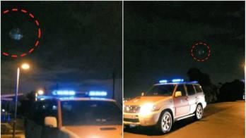 Espiões alienígenas? OVNI é flagrado monitorando carro de polícia (Reprodução/YouTube/WWE)