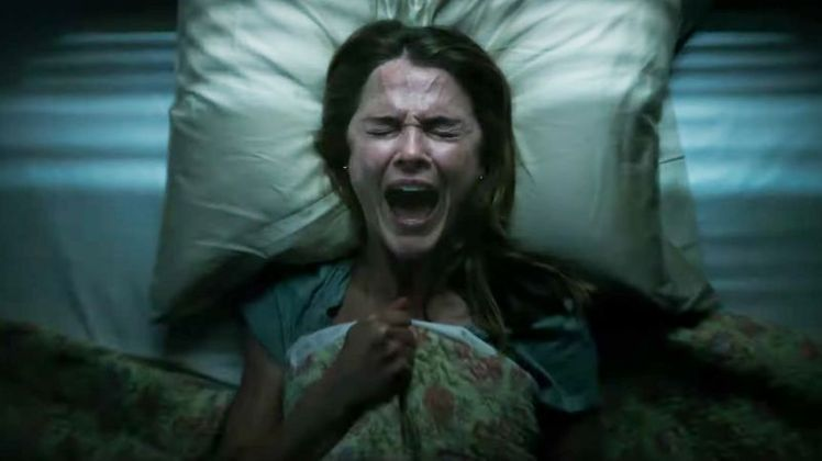 Em um primeiro momento,Espíritos Obscuros estava com data de estreia marcada para abril de 2020. Mas com os fechamentos das salas de cinema foi adiado para outubro deste ano