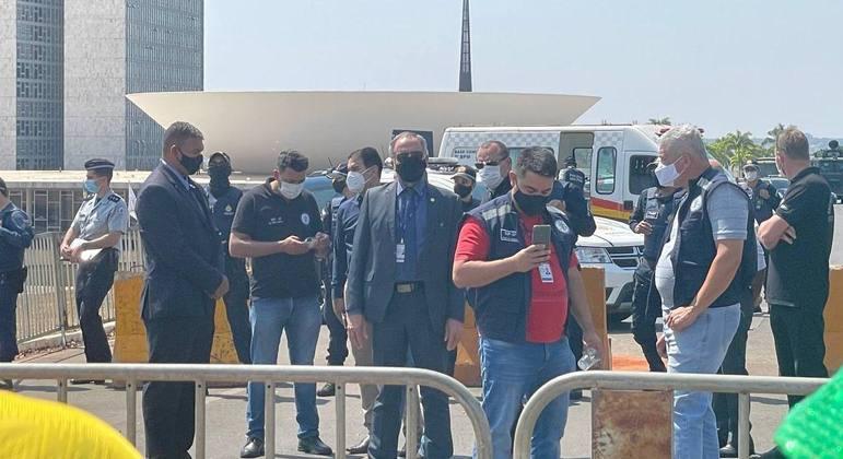 Secretário Júlio Danilo esteve presente na Esplanada e foi hostilizado pelos manifestantes