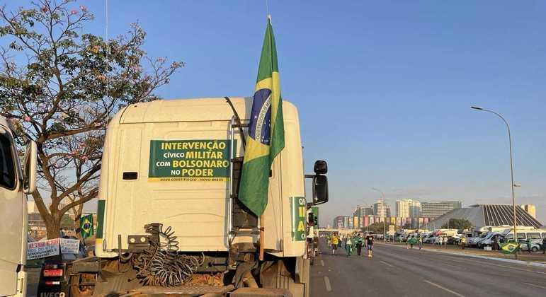 Esplanada dos Ministérios teve caminhões e manifestantes à pé no 7 de Setembro