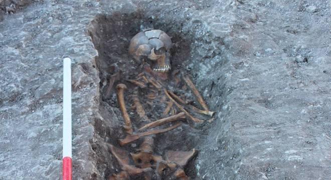 Suspeita-se que corpos tenham relação com rituais de sacrifício humano realizados no passado