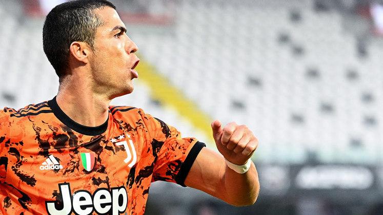 ESQUENTOU - A chegada de Messi não diminuiu o apetite do PSG em se transformar em um time galáctico. A bola da vez agora é Cristiano Ronaldo. Segundo o jornal espanhol