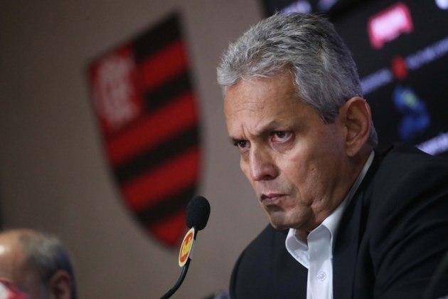 ESQUENTOU: A imprensa chilena especula que Reinaldo Rueda pode estar de saída do Chile. O treinador iria usar esse período sem calendário para conversar com os dirigentes locais e acertar a sua rescisão de contrato.