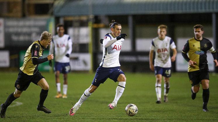 ESQUENTOU - A permanência de Gareth Bale no Tottenham é incerta. Feliz com seu retorno ao clube, sua continuidade foi colocada em dúvida pelos Spurs, de acordo com o