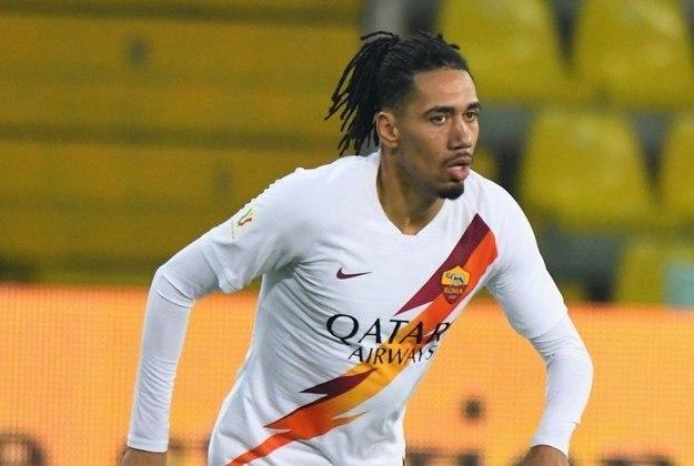 ESQUENTOU - A Roma segue interessada no zagueiro Chris Smalling, que atuou na Giallorossi emprestado pelo Manchester United na última temporada. Segundo informações da
