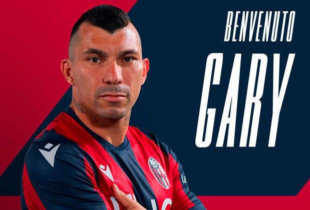 ESQUENTOU - A Universidad Católica pode entrar firme na disputa pela contratação do volante Gary Medel, que ficará livre na janela de transferências no meio do ano.