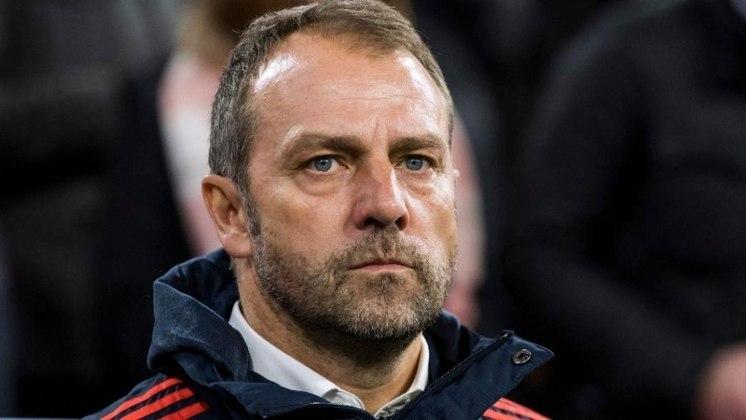 ESQUENTOU - Apesar de Low permanecer no cargo de técnico da Alemanha, o nome de Hansi Flick é bem cotado para dirigir a seleção, segundo o 'Sport Bild'.