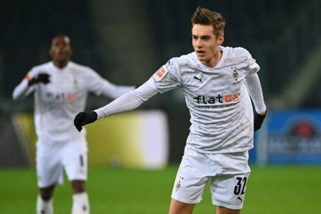 ESQUENTOU - Após a saída de Wijnaldum para o PSG, o Liverpool olha para o mercado e deve investir no meia do Borussia Monchengladbah Florian Neuhaus, de acordo com a Sport1.