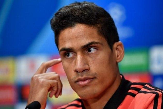 ESQUENTOU - Após acertar a contratação de Jadon Sancho, o Manchester United mira a chegada do zagueiro Raphael Varane, segundo a