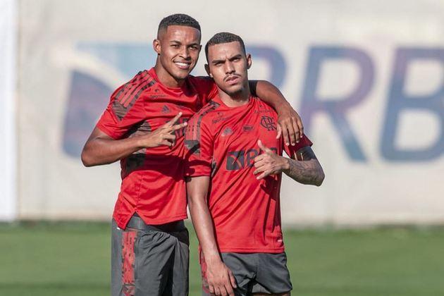 ESQUENTOU - As atuações no time principal ao longo da última temporada e. especialmente neste início de Campeonato Carioca, pela equipe alternativa do Flamengo, aumentaram as atenções sobre vários