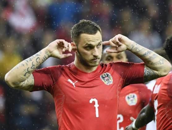 ESQUENTOU - Buscando um atacante para a próxima temporada, o Bologna deve ir atrás de Arnautovic para reforçar o setor ofensivo, de acordo com a