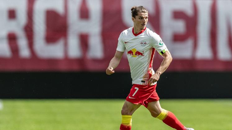 ESQUENTOU - Caso Nbombelé saia do Tottenham para ir ao Barcelona, Mourinho já tem um substituto em mente, se trata do meia Marcel Sabitzer, atualmente no RB Leipzig, de acordo com o Mail Sport.
