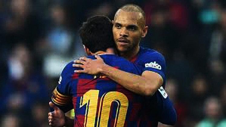 ESQUENTOU - Com as contratações de Sergio Agüero e Memphis Depay, o Barcelona pode se desfazer de alguns atacantes do atual elenco. Segundo o jornal