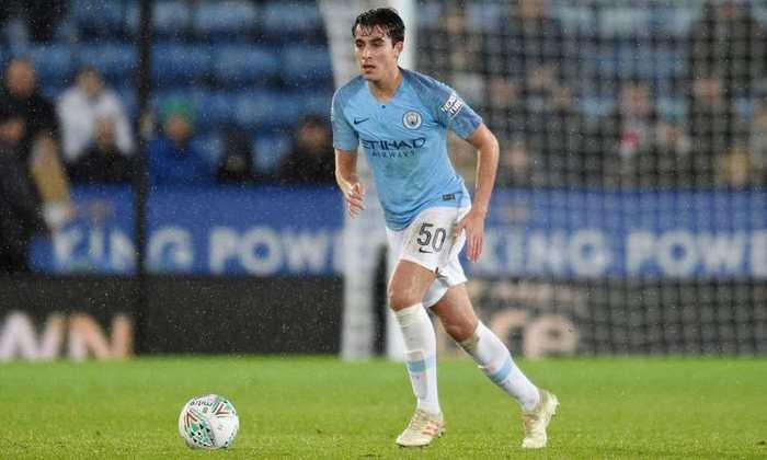 ESQUENTOU - Com contrato se encerrando em um ano, Eric García deve renovar com o Manchester City. O
