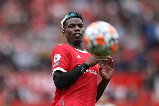ESQUENTOU - Com o contrato prestes a terminar com o Manchester United, Pogba e seu empresário devem conversar com o clube inglês para tratar da renovação. Entretanto uma volta a Turim não é descartada por Mino Raiola.