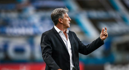 Técnico coleciona títulos no Grêmio