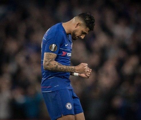 ESQUENTOU - Conforme o Football Itália, a Napoli está indo atrás do lateral do Chelsea, Emerson Palmieri, por um contrato de empréstimo.