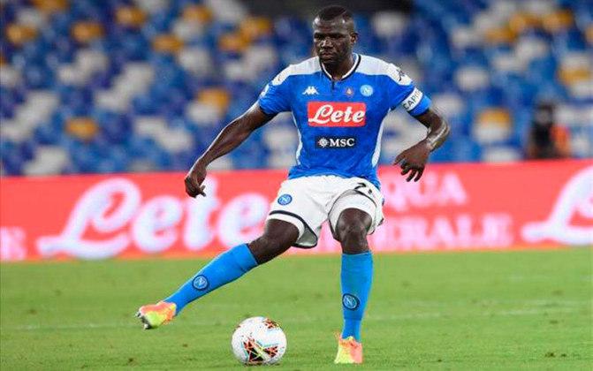 ESQUENTOU - De acordo com a Gazzetta dello Sport, a Napoli deve aceitar uma proposta de 50 milhões de euros pelo zagueiro Koulibaly.