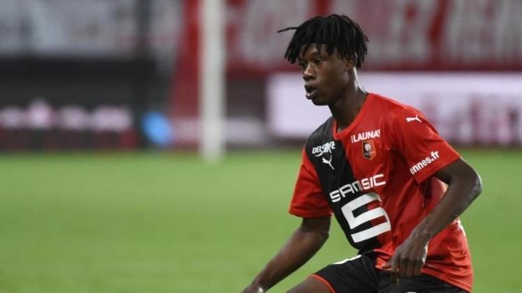 """ESQUENTOU - De acordo com a """"RMC Sports"""", o PSG pode atravessar o Real Madrid e contratar o volante Camavinga, do Rennes. A janela de transferências do país europeu já estão abertas."""