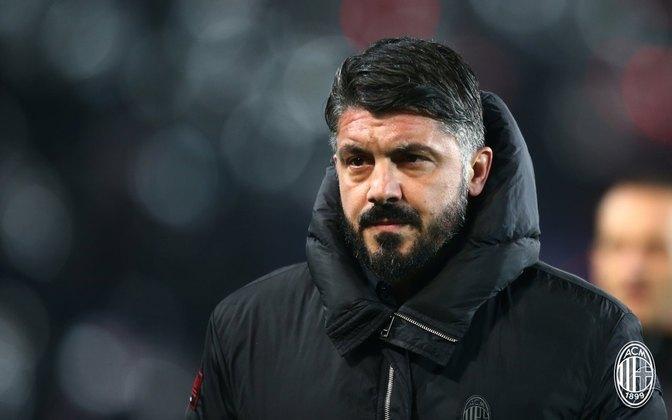 ESQUENTOU - De acordo com a Sky Sports Itália, a Napoli deve renovar o contrato com Gattuso para seguir com o treinador no comando.
