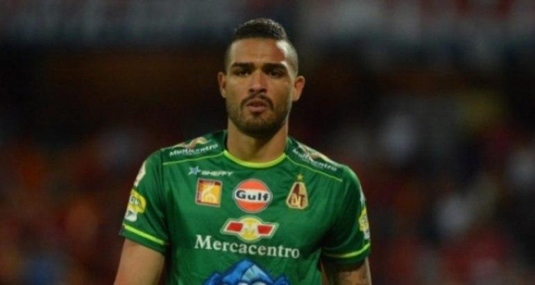 ESQUENTOU - De acordo com o Ajansspor, o Besiktas, da Turquia, encaminhou a contratação do goleiro Montero, que pertence ao Deportes Tolima e deve anunciar a sua chegada nos próximos dias para fazer sombra a Karius.