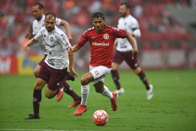 ESQUENTOU - É questão de tempo para Guilherme Parede ser jogador do Vasco. O atacante deve concluir, nos próximos dias, os exames médicos para, enfim, assinar contrato de empréstimo com o Cruz-Maltino.