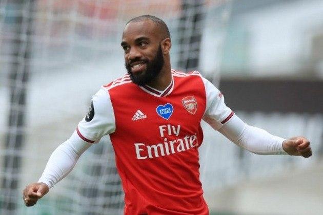 ESQUENTOU - Em alta na temporada, o atacante Alexandre Lacazette não tem futuro garantido no Arsenal. Segundo o jornal