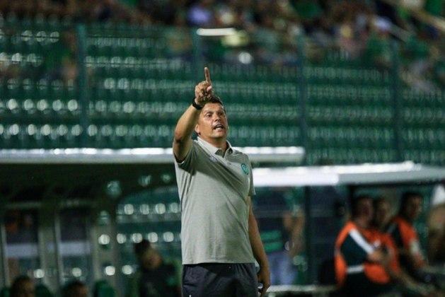 ESQUENTOU - Em coletiva de imprensa, o treinador Claudinei Oliveira afirmou que foi procurado pela diretoria do Avaí, mas ainda não acertou nada.