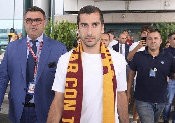 ESQUENTOU - Emprestado pelo Arsenal para a Roma, o meia Mkhitaryan afirmou, em entrevista ao jornalista Grant Wahl, que quer permanecer no clube italiano. Seu contrato de empréstimo vai até o fim da temporada.