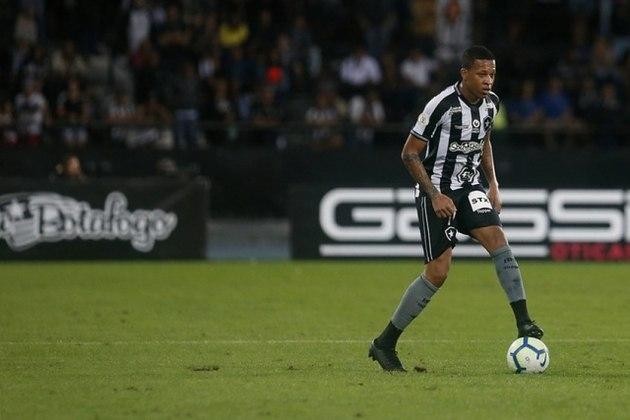 ESQUENTOU - Gustavo Bochecha pode estar vivendo os últimos dias pelo Botafogo. Os agentes do meio-campista receberam, nesta quarta-feira, uma proposta do Juventude. Os valores agradaram.