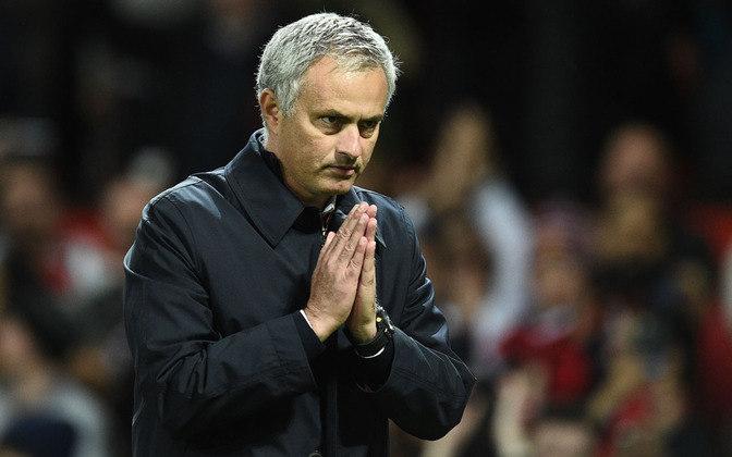 ESQUENTOU - José Mourinho, anunciado esta semana como novo técnico da Roma para a próxima temporada, já pensa na janela de transferências. Segundo o