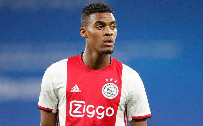 ESQUENTOU - Liverpool e Chelsea devem disputar a contratação de Ryan Gravenberch, meio-campista de apenas 18 anos do Ajax, segundo o