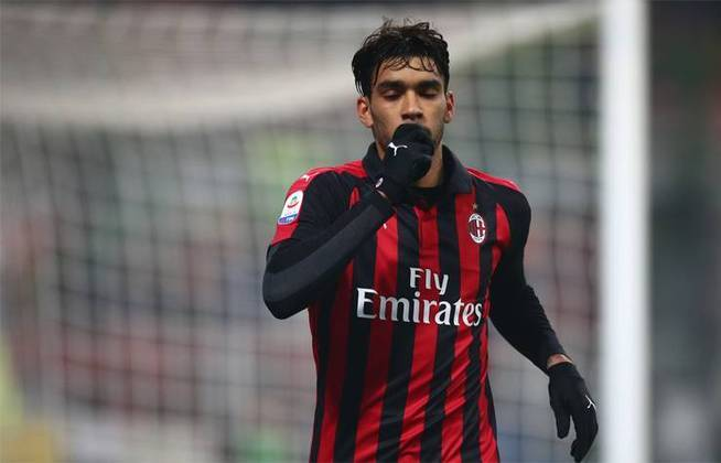 ESQUENTOU – Lucas Paquetá pode estar de saída do Milan. O clube francês Lyon propôs um empréstimo ao time italiano e o volante brasileiro, insatisfeito com os rossoneros, pode ir jogar a Ligue 1, segundo apurou o L'Équipe.