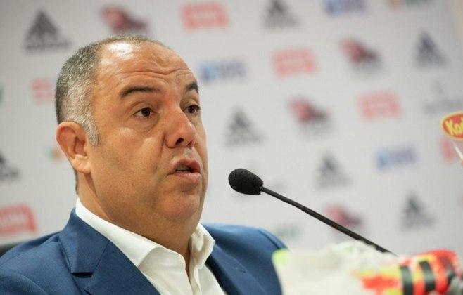 ESQUENTOU - Marcos Braz avisou que o Flamengo, antenado ao mercado, não busca contratações para o sistema defensivo, o Calcanhar de Aquiles do elenco desde a temporada passada. O foco é