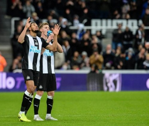 ESQUENTOU -  Nesta sexta-feira, o 'Daily Star' afirmou que a venda do Newcastle para um fundo árabe deve ser sacramentada na próxima semana, segundo fonte oficial da família real saudita.
