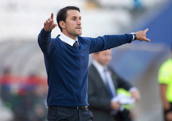 ESQUENTOU - Nos últimos dias, o nome de Beñat San José, que fez sucesso no comando da Universidad Católica, surgiu como força, porém o treinador fez questão de descartar qualquer convite.