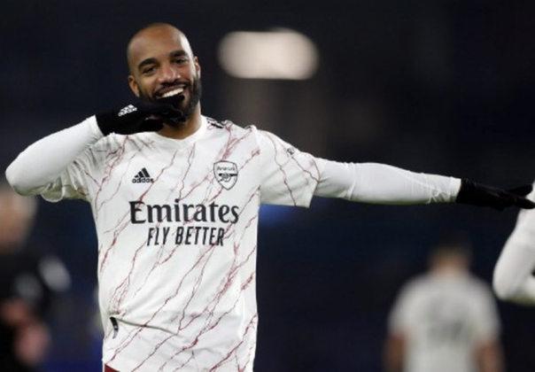 ESQUENTOU - O Arsenal está disposto a vender o atacante Lacazette por 17 milhões de euros (R$ 103 milhões) nesta janela de transferência, segundo o