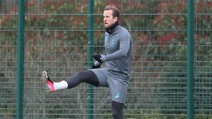 ESQUENTOU - O atacante Harry Kane não compareceu ao treino do Tottenham pelo segundo dia consecutivo. No entanto, segundo o