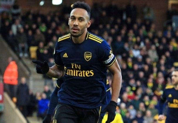 ESQUENTOU - O atacante Pierre Emerick Aubameyang está perto de acertar sua renovação contratual com o Arsenal. A informação é do jornal