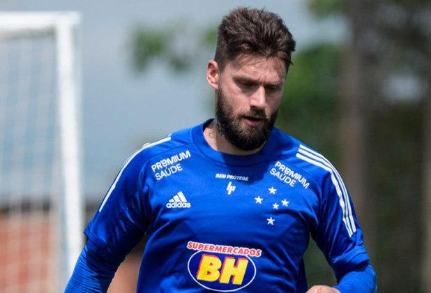 ESQUENTOU - O atacante Rafael Sobis, de 35 anos, tem contrato com o Cruzeiro até o fim deste ano. E o atual vínculo pode ser o último da carreira do jogador no futebol profissional. Sobis revelou que pode deixar os gramados ao término desta temporada