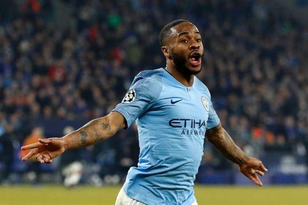 ESQUENTOU - O atacante Raheem Sterling travou a negociação por uma renovação contratual com o Manchester City e cogita a ideia de vestir a camisa do Barcelona em 2022, segundo o