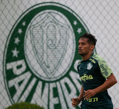 ESQUENTOU - O Atlético-MG quer o meia Gustavo Scarpa, do Palmeiras. Quem revelou o interesse alvinegro no jogador foi o diretor de futebol do clube paulista, Anderson Barros. Scarpa não tem tido oportunidades com Vanderlei Luxemburgo em 2020.