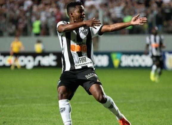 ESQUENTOU - O Atlético-MG tem pressa de negociar Cazares e pode conversa com o Palmeiras para a venda do jogador. O meia, de 27 anos, tem contrato até o fim do ano e pode deixar o clube mineiro de graça, caso não seja negociado rapidamente.