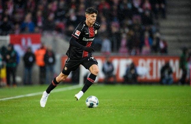 ESQUENTOU - O Bayer Leverkusen vive a iminência de perder o meia-atacante Kai Havertz, seu principal jogador, que pode se transferir para o Chelsea. E de acordo com a imprensa germânica, os Leões já estão perto de acertar uma contratação para o setor ofensivo.