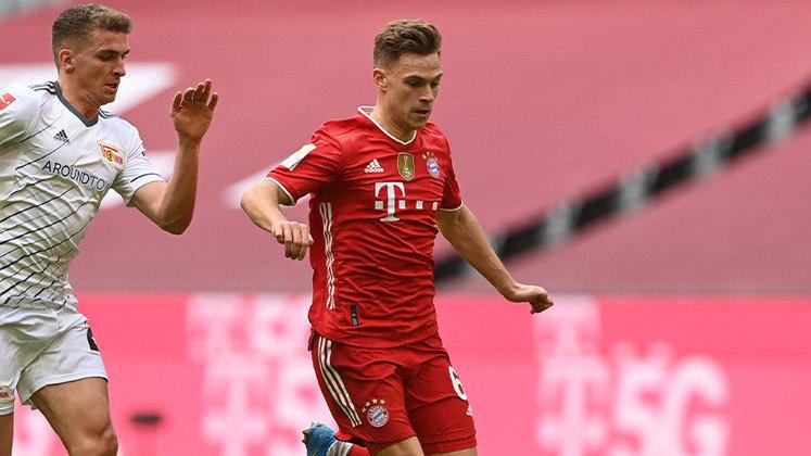 ESQUENTOU - O Bayern de Munique está próximo de acertar a renovação de contrato de Kimmich até 2026, segundo o jornal alemão