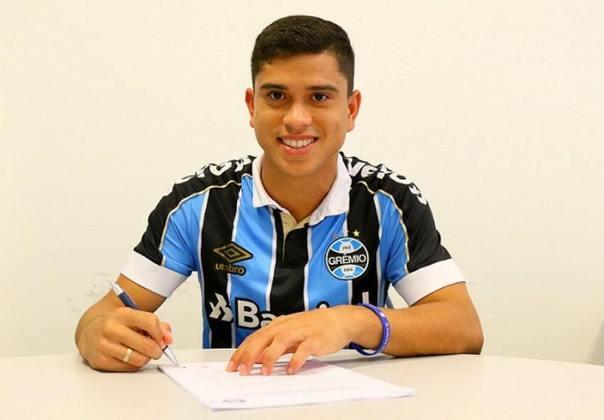 ESQUENTOU -  O Botafogo agiu para buscar reforços na posição de lateral-direito. O clube de General Severiano tem acordo encaminhado com o lateral-direito Kevin, de 22 anos, que jogou o primeiro semestre de 2020 no Grêmio.