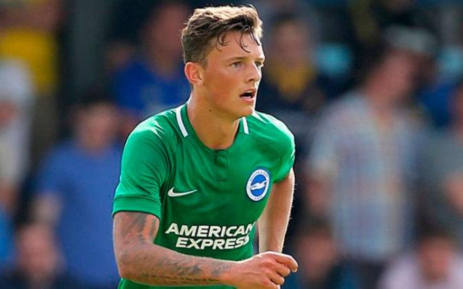 ESQUENTOU - O Chelsea é mais um clube interessado na contratação do zagueiro Ben White, do Brighton, segundo o