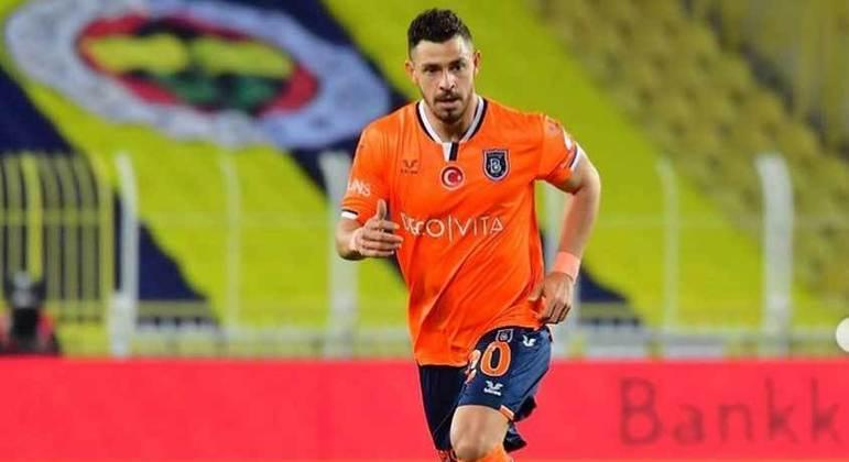 Giuliano disputou a última temporada com a camisa do Istanbul Basaksehir, da Turquia