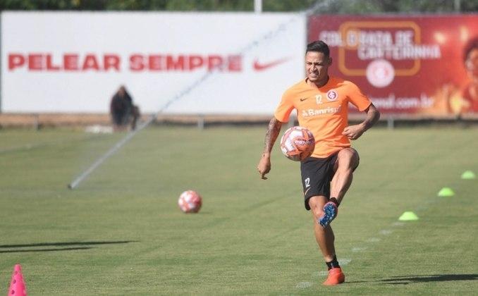 ESQUENTOU - O Coritiba está perto de ter mais um reforço para a temporada 2020. Trata-se do atacante Neilton, que teve a sua negociação confirmada por Paulo Carneiro, presidente do Vitória, ex-time do jogador.