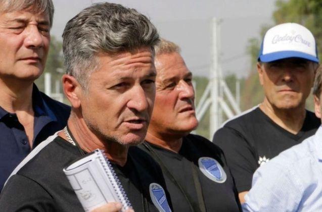 ESQUENTOU - O diário argentino Olé afirmou que o técnico do Godoy Cruz, Mario Sciaqua foi demitido pela equipe no meio da pandemia. O clube não confirma a informação.